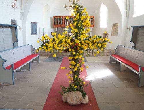 Ostergottesdienst mit Osterlachen und Feer Ladies Chor 21.04.2019